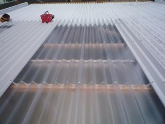 折半屋根から明かりを採る