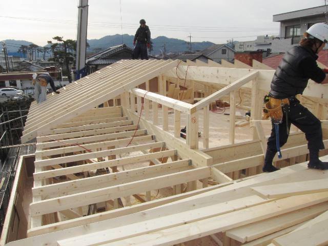 静岡市葵区牛妻で屋根工事を行いました。