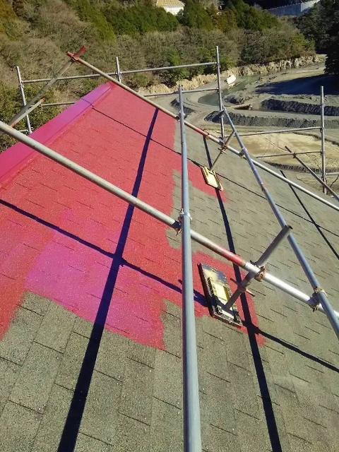 赤い屋根に塗り替え