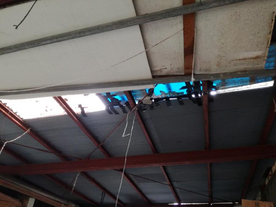 葵区桜町 倉庫の屋根庇のスレート塞ぎ工事