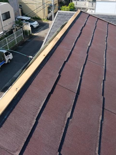 屋根の棟包み板金が剥がれた