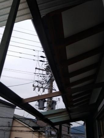 屋根穴したから