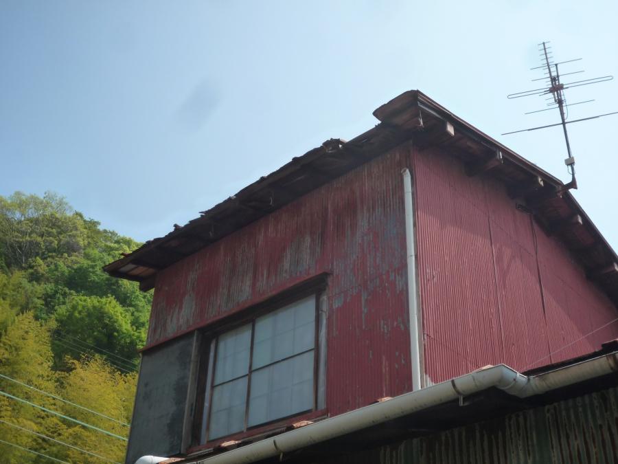 静岡市 線路がそばにある築50年のトタンの屋根修繕