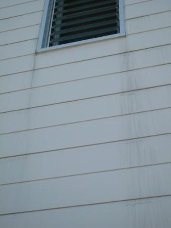窓外壁の汚れ水切り